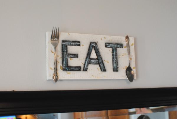 DIY Wooden Eat Sign