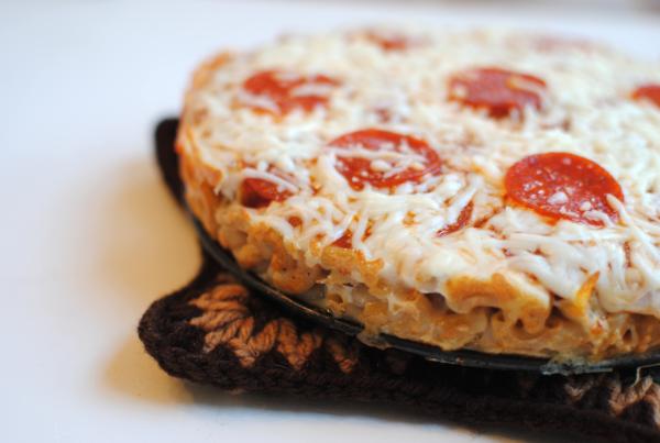 Macaroni Crust Pizza 4 Macaroni Crust Pizza