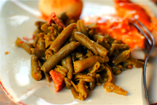 Slow Cooker Green Beans1 13 Thanksgiving Side Dish Ideas